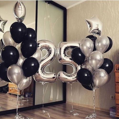 """Композиция из черных и серебрянных шаров """"Изморозь"""" - фото 1"""